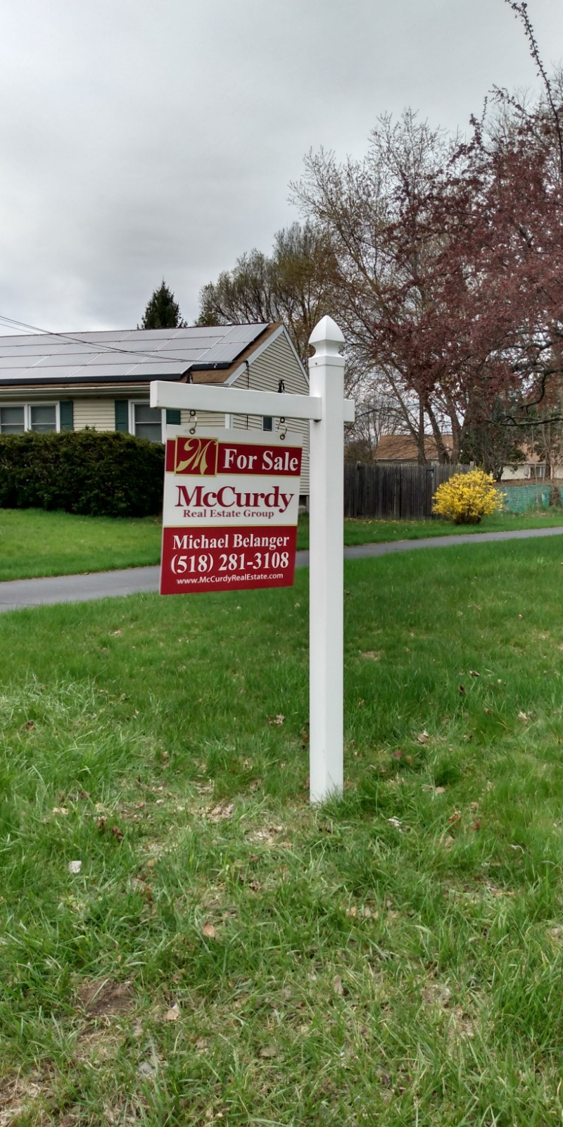 real estate and realty signpost installation